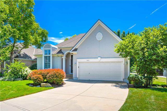 5117 W 159th Terrace, Overland Park, KS 66085 (#2328691) :: Ron Henderson & Associates