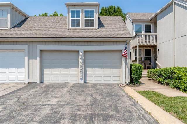 12008 W 82nd Terrace, Lenexa, KS 66215 (#2328699) :: Tradition Home Group   Better Homes and Gardens Kansas City