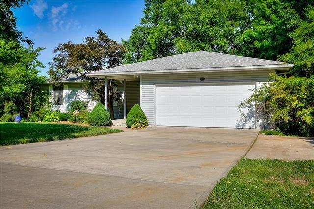 7610 Pampas Lane, Kansas City, MO 64152 (#2328779) :: Ask Cathy Marketing Group, LLC