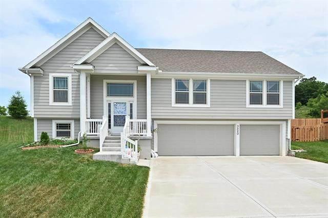 3220 NE 79th Terrace, Kansas City, MO 64119 (#2328802) :: Five-Star Homes