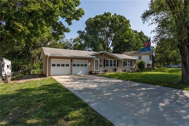 7340 Goddard Drive, Shawnee, KS 66203 (#2328810) :: ReeceNichols Realtors