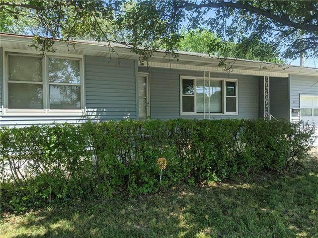 805 S First Street, El Dorado Springs, MO 64744 (#2328827) :: Edie Waters Network