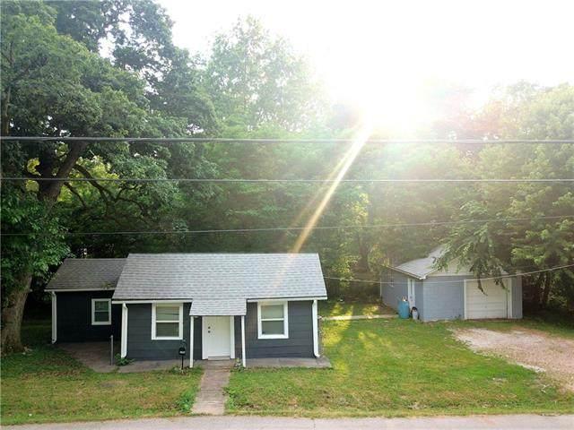 2204 N 45th Street, Kansas City, KS 66104 (#2328851) :: Five-Star Homes