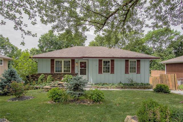 3916 S Harbaugh Drive, Independence, MO 64055 (#2328874) :: ReeceNichols Realtors