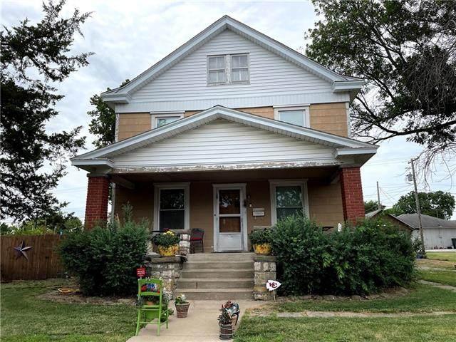 225 E Shawnee Street, Gardner, KS 66030 (#2328915) :: Edie Waters Network