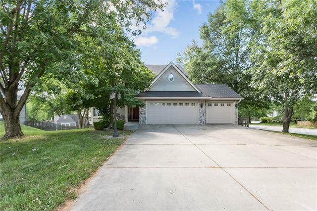 1600 Canterbury Court, Liberty, MO 64068 (#2328959) :: Edie Waters Network