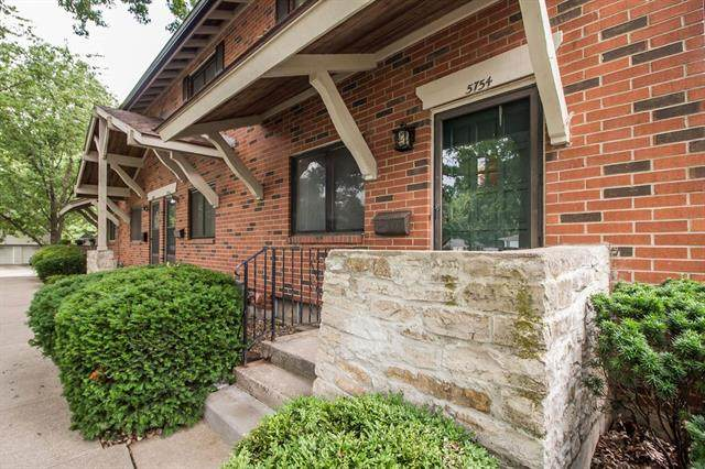 5754 W 97th Street, Overland Park, KS 66207 (#2329154) :: Audra Heller and Associates