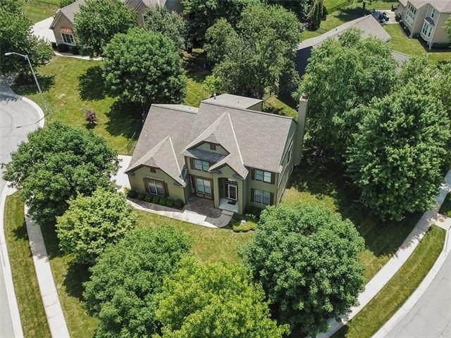 3345 W 143rd Terrace, Leawood, KS 66224 (#2329332) :: Edie Waters Network