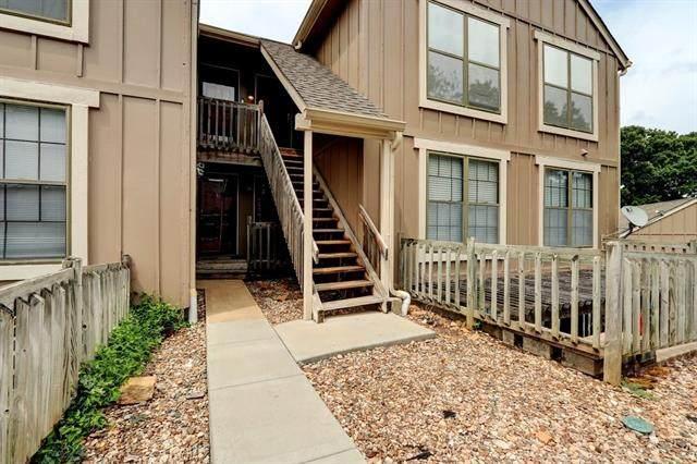 12614 W 110th Terrace, Overland Park, KS 66210 (#2329380) :: Audra Heller and Associates