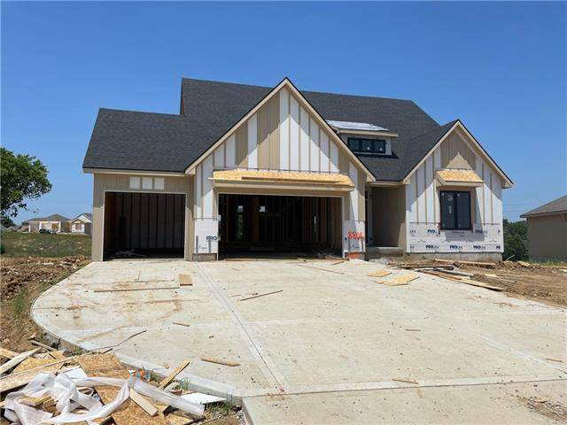 8804 N Lister Court, Kansas City, MO 64156 (MLS #2329411) :: Stone & Story Real Estate Group