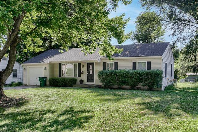 609 NW Central Street, Lee's Summit, MO 64063 (#2329412) :: The Shannon Lyon Group - ReeceNichols