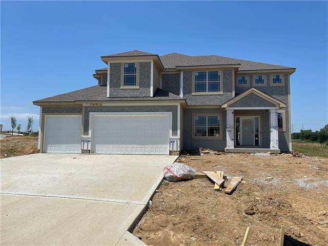 8800 N Lister Court, Kansas City, MO 64156 (MLS #2329427) :: Stone & Story Real Estate Group