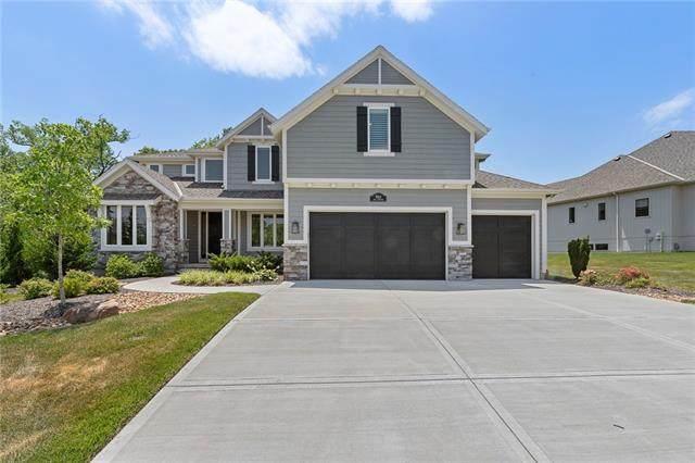 9512 Lone Elm Road, Lenexa, KS 66220 (#2329434) :: Five-Star Homes