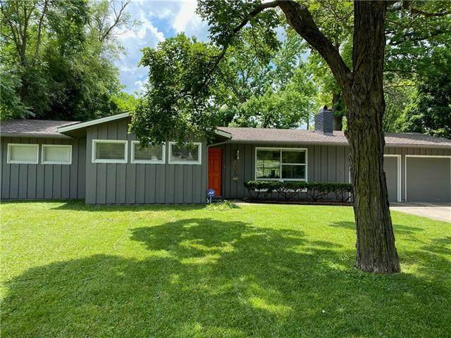 5505 W 75th Street, Prairie Village, KS 66208 (#2329575) :: Edie Waters Network