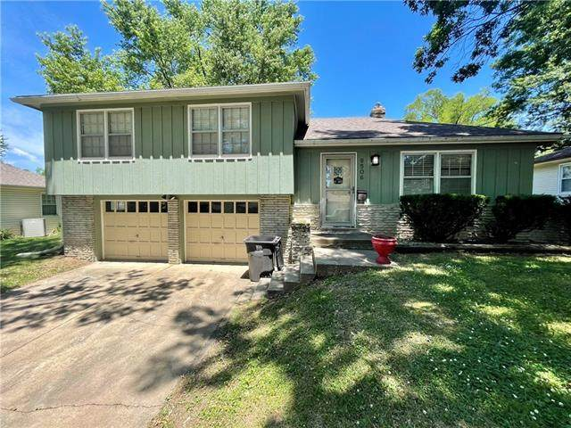 9506 E 79TH Terrace, Raytown, MO 64138 (#2329653) :: Edie Waters Network