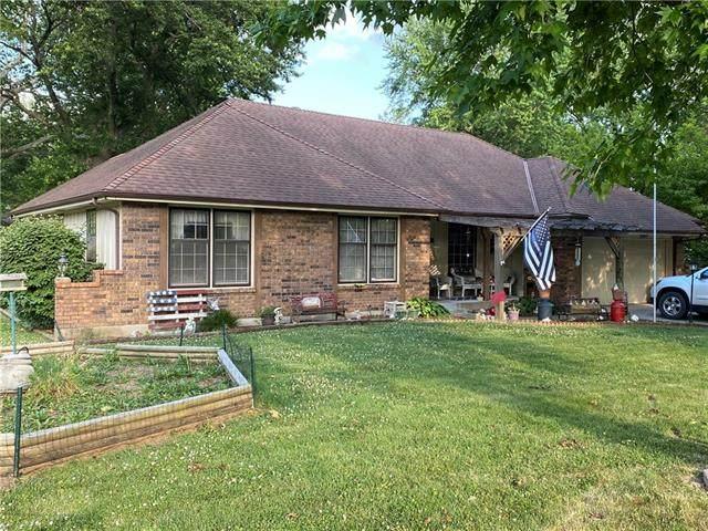 401 S Halsey Avenue, Harrisonville, MO 64701 (#2329678) :: Eric Craig Real Estate Team