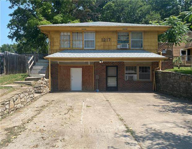 1217 S Hardy Avenue, Independence, MO 64052 (#2329773) :: Austin Home Team