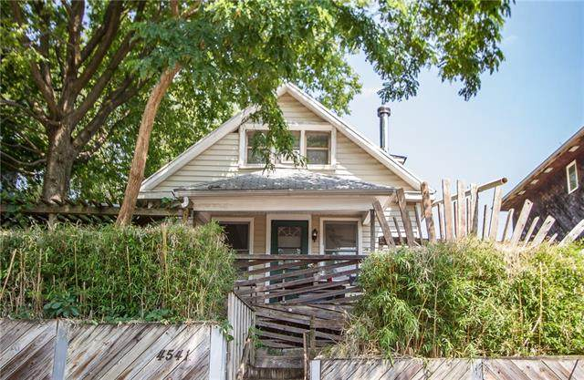 4541 Genessee Street, Kansas City, MO 64111 (#2329905) :: The Gunselman Team