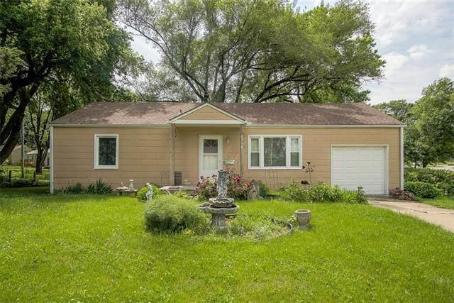 6714 Nieman Road, Shawnee, KS 66203 (#2329935) :: The Kedish Group at Keller Williams Realty