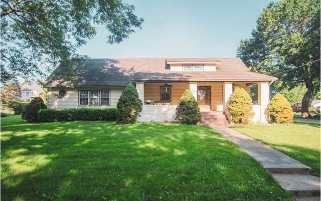 5726 Garnett Street, Shawnee, KS 66203 (MLS #2329973) :: Stone & Story Real Estate Group