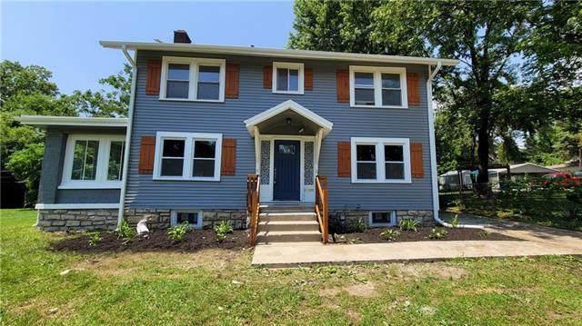5978 Blue Hills Road, Kansas City, MO 64110 (MLS #2329983) :: Stone & Story Real Estate Group