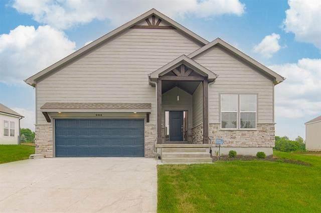 9046 Sunray Drive, Lenexa, KS 66227 (#2330020) :: Eric Craig Real Estate Team