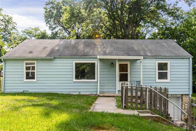 920 N 61st Terrace, Kansas City, KS 66102 (#2330056) :: The Rucker Group