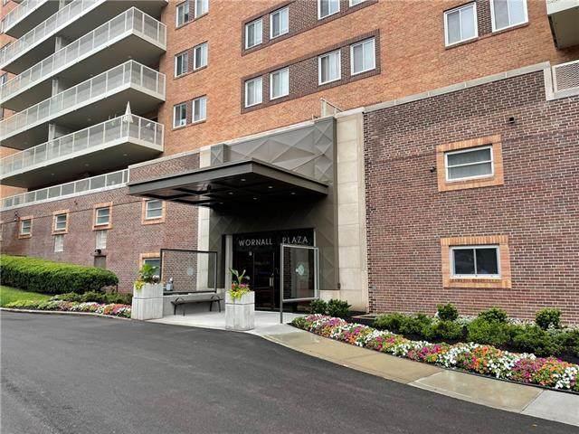 310 W 49th Street #1006, Kansas City, MO 64112 (#2330151) :: The Kedish Group at Keller Williams Realty