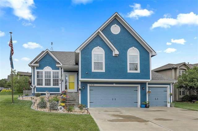 17878 W 165th Place, Olathe, KS 66062 (MLS #2330277) :: Stone & Story Real Estate Group