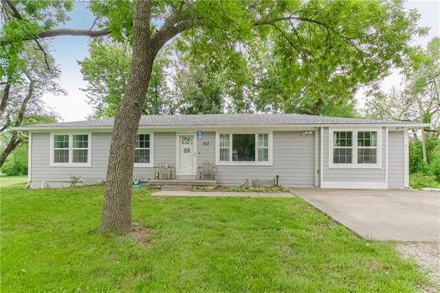 303 8th Street, Garden City, MO 64747 (#2330282) :: Five-Star Homes