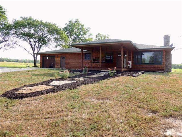 11137 W 200 Road, Blue Mound, KS 66010 (MLS #2330305) :: Stone & Story Real Estate Group