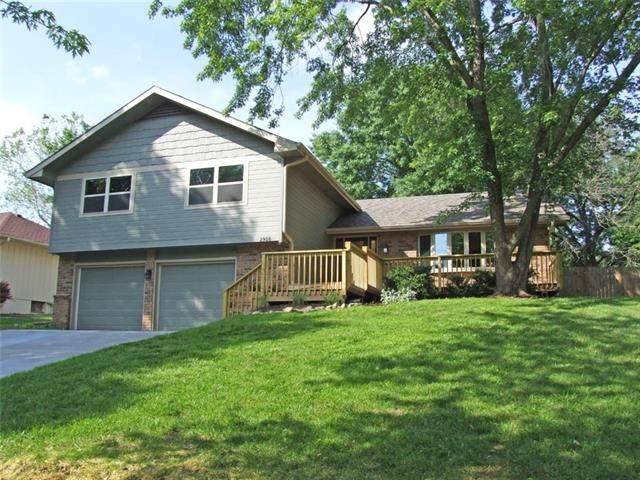 2916 Rimrock Drive, Lawrence, KS 66047 (#2330346) :: The Kedish Group at Keller Williams Realty