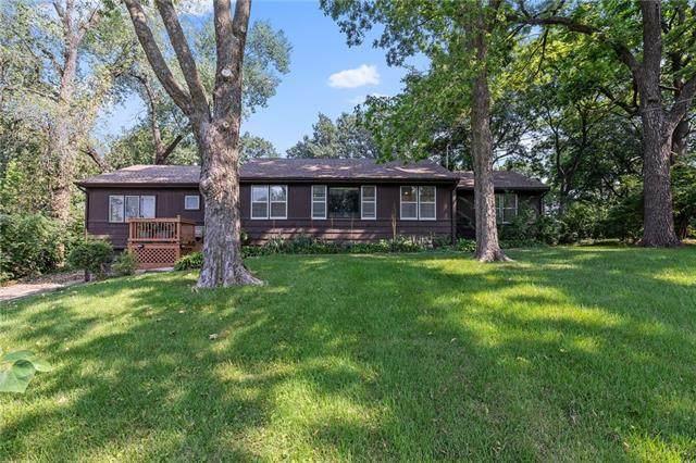 6714 E 66th Street, Kansas City, MO 64133 (#2330401) :: Eric Craig Real Estate Team