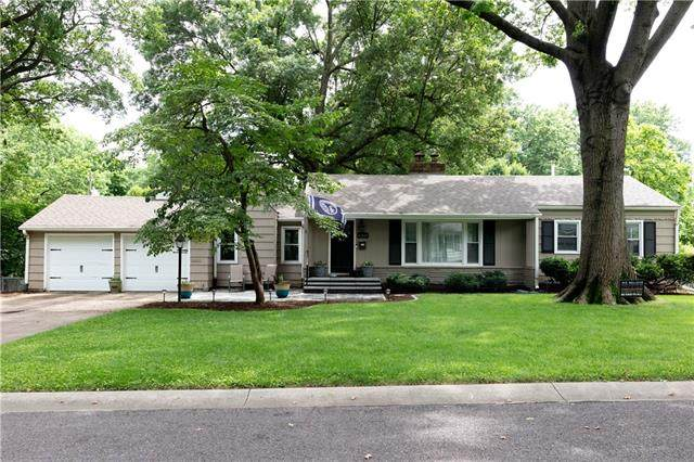 6321 W 66th Terrace, Overland Park, KS 66202 (MLS #2330483) :: Stone & Story Real Estate Group