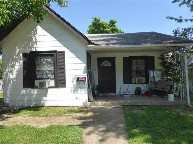 829 S Hardy Avenue, Independence, MO 64053 (#2330556) :: Austin Home Team