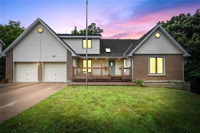 5928 Albervan Street, Shawnee, KS 66216 (#2330773) :: Five-Star Homes