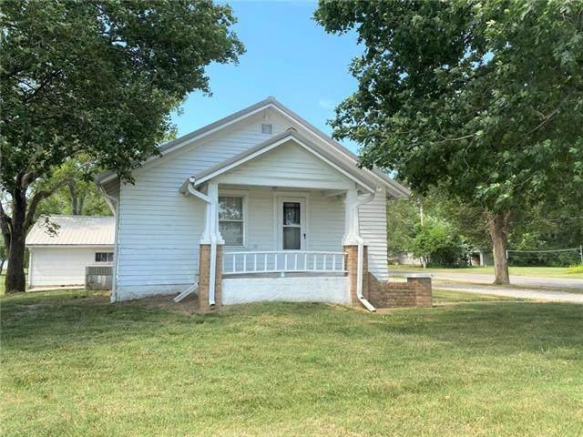 900 W Fort Scott Street, Butler, MO 64730 (#2330817) :: ReeceNichols Realtors