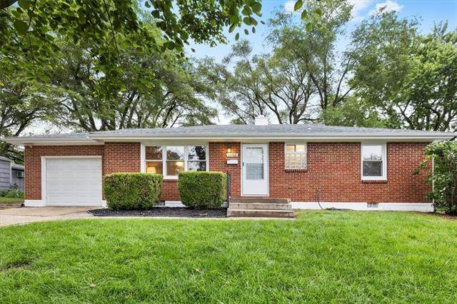 1502 NW 1st Street, Lee's Summit, MO 64081 (#2330834) :: Tradition Home Group | Compass Realty Group