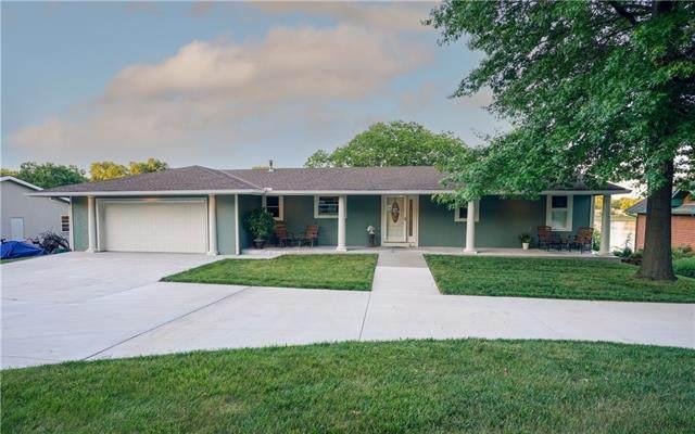 1511 Lake Shore Drive, Lee's Summit, MO 64086 (MLS #2330989) :: Stone & Story Real Estate Group