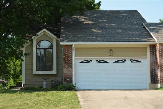 2300 Twin Oaks Drive, Harrisonville, MO 64701 (#2330995) :: Five-Star Homes