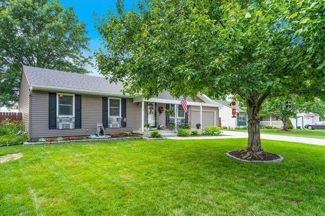 220 N Poplar Drive, Gardner, KS 66030 (#2331072) :: Five-Star Homes