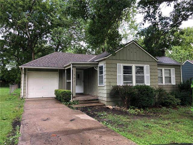 1507 W 27th Terrace, Independence, MO 64052 (#2331077) :: ReeceNichols Realtors