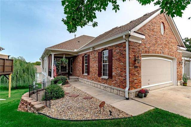 3722 S Bolger Court, Independence, MO 64055 (#2331175) :: Austin Home Team