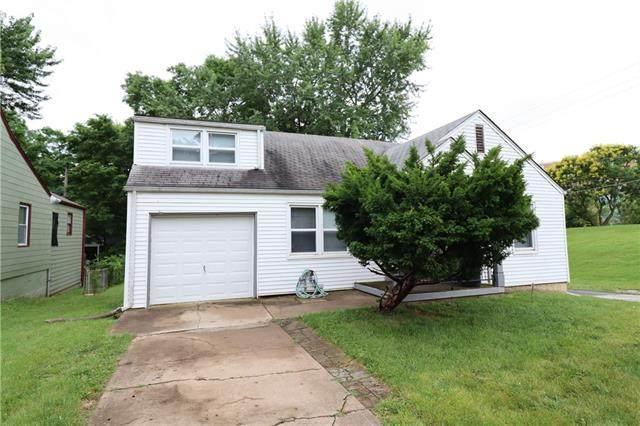 901 E 77th Terrace, Kansas City, MO 64131 (#2331239) :: Edie Waters Network