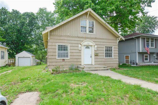 1326 S Spring Street, Independence, MO 64055 (#2331279) :: Team Real Estate