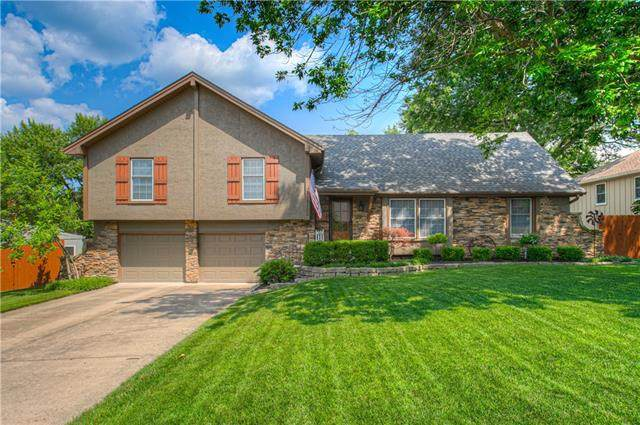12105 Summit Street, Kansas City, MO 64145 (#2331443) :: Ron Henderson & Associates