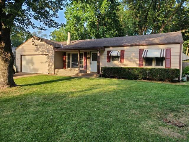 8207 Barkley Street, Overland Park, KS 66204 (#2331485) :: Team Real Estate