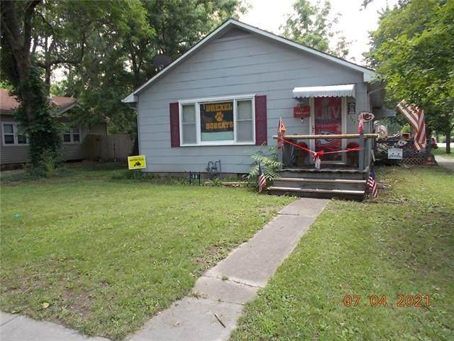 300 E Elm Street, Drexel, MO 64742 (#2331524) :: ReeceNichols Realtors