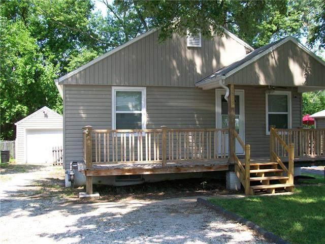 3818 N Kensington Avenue, Kansas City, MO 64117 (#2331623) :: Austin Home Team