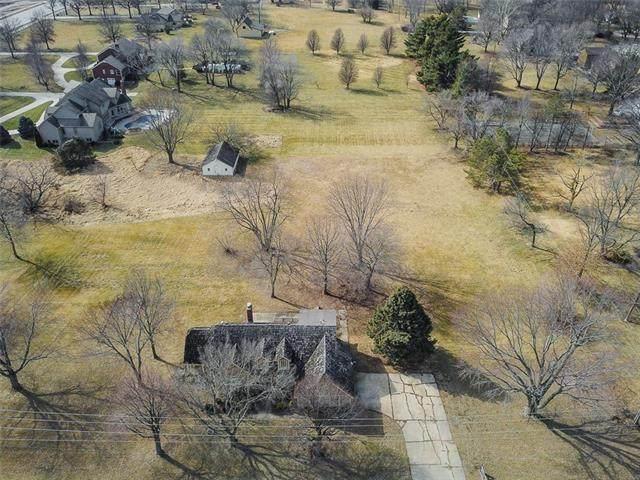 14202 Mission Road, Leawood, KS 66224 (#2331639) :: Audra Heller and Associates